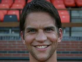 Met oud gediende Martijn Berger heeft de club wel een overeenstemming bereikt over het verlengen van zijn contract. Berger heeft bijgetekend tot juni 2014. - 3eb23fd5aecefaa8d7e11d8